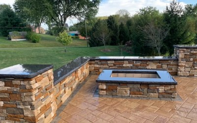 lawnhart-landscaping-pittsburgh-back-yard-fire-pit-patio